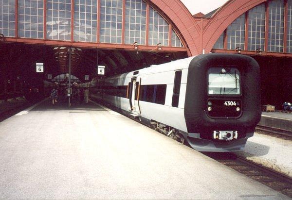 SJ X31K 4304 - DSB ET 4306, Malmö Centralstation, 2000-07-04. Photo Tommy Rolf Nielsen Martens