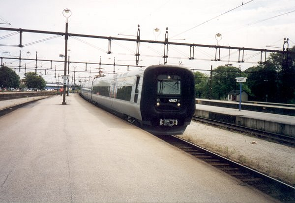 SJ X31K 4307 - DSB ET 4308, Malmö Centralstation, 2000-07-04. Photo Tommy Rolf Nielsen Martens