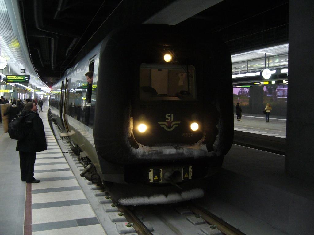 SJ X31K 4332, Malmö Centralstation, 2010-12-12. Photo Tommy Rolf Nielsen Martens