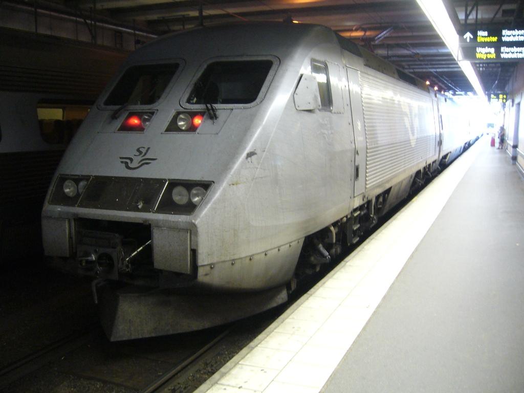 SJ X2 2003, Stockholm Centralstation, 2011-07-12, Photo Tommy Rolf Nielsen Martens